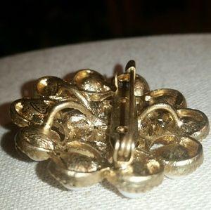 Stella & Dot Jewelry - Stella & Dot Gold/White 'Paradise' Brooch